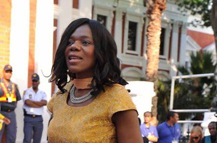 Thuli Madonsela to publish her autobiography